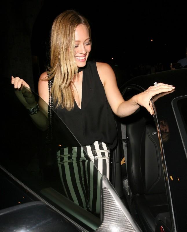 Hilary Duff, tout sourire
