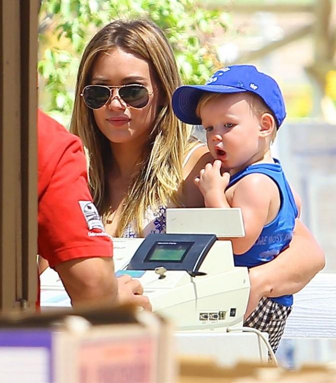 La starlette et son fils Luca