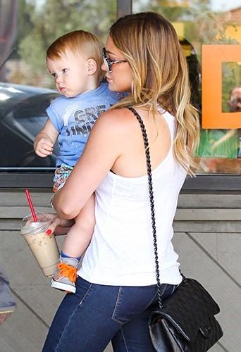 Hilary Duff et sa petite famille, le 15 juin 2013