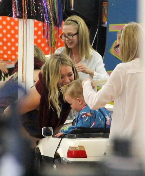 Photos : Hillary Duff : qui a l'enfant le plus sage ? C'est elle !