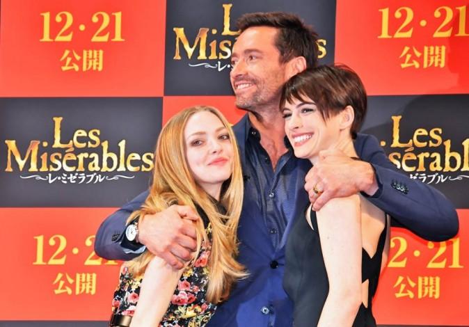 Anne Hathaway, Amanda Seyfried et Hugh Jackman le 28 novembre 2012 à Tokyo