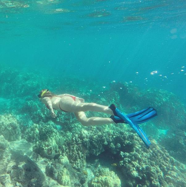 Photos : Iggy Azalea : une sirène qui dévoile ses courbes à Hawaï, son boyfriend apeuré !