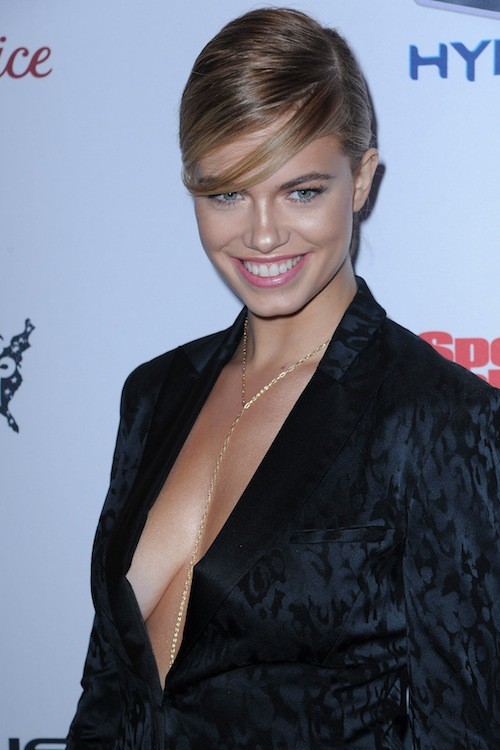 Hailey Clauson à la soirée Sports Illustrated à  New York, le 10 février 2015