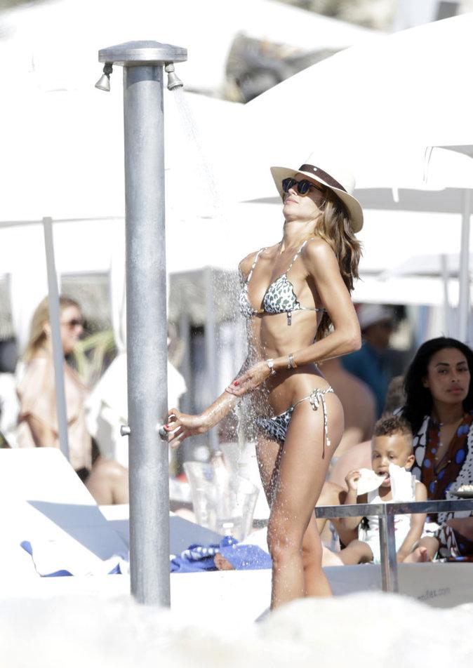 Photos : Izabel Goulart et Kevin Trapp : reine et roi d'Ibiza !