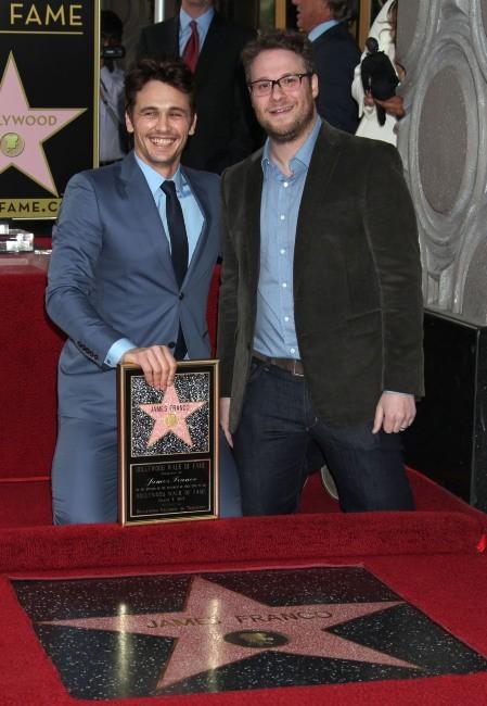 James Franco et l'acteur Seth Rodgen le 7 mars 2013 à Los Angeles