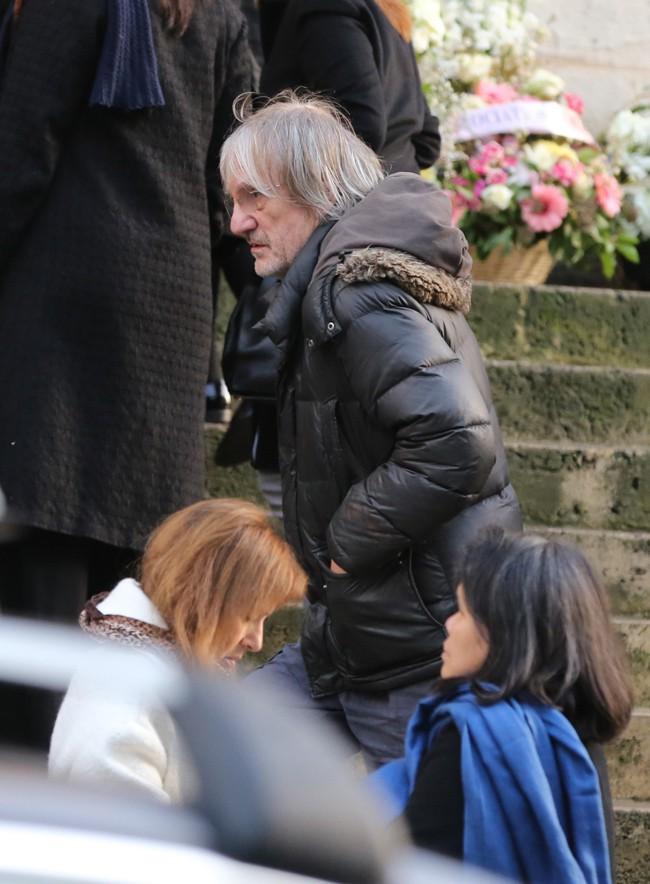 Andrew Birkin aux obsèques de Kate Barry à Paris le 19 décembre 2013