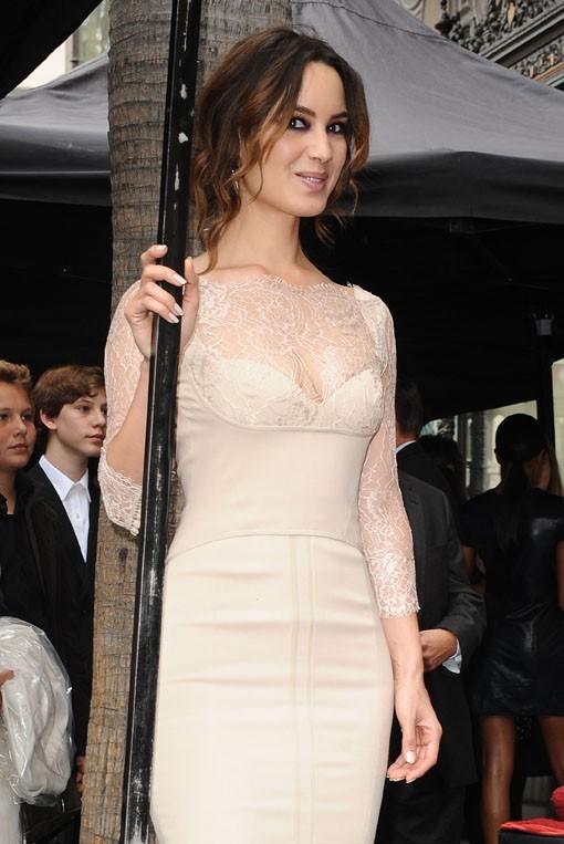 Bérénice Marlohe sur le Walk of Fame d'Hollywood le 8 novembre 2012