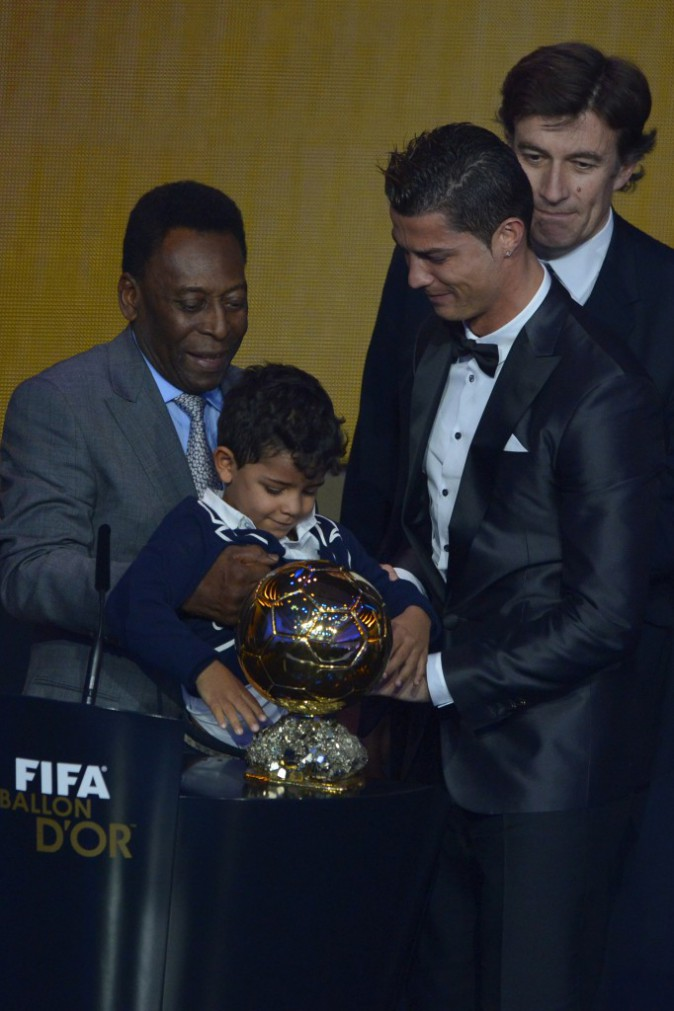 Cristiano Ronaldo complètement gaga de son fiston !