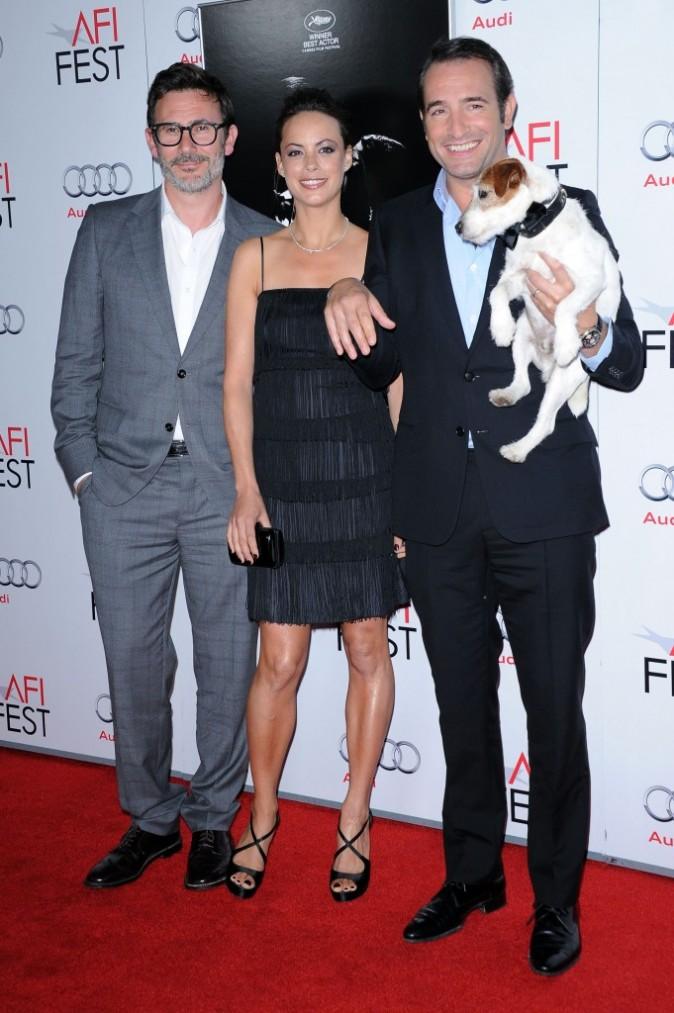 Michel Hazanavicius, Jean Dujardin et Bérénice Bejo lors de l'avant-première du film The Artist à Hollywood, le 8 novembre 2011.