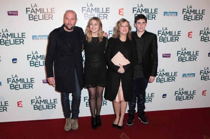 François Damien, Karin Viard, Louane Emera et Luca Gelberg