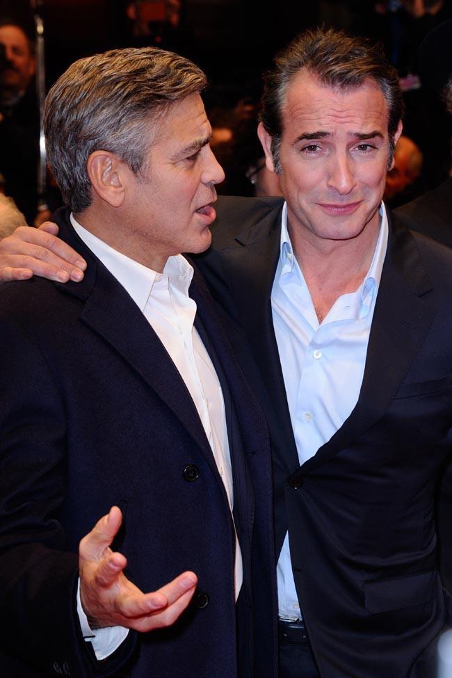 George Clooney et Jean Dujardin sur le tapis rouge de Monuments Men à la 64e Berlinale le 8 février 2014