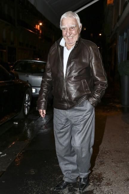 Charles Gérard arrive à l'anniversaire de Jean-Paul Belmondo, le 9 avril 2013 à Paris