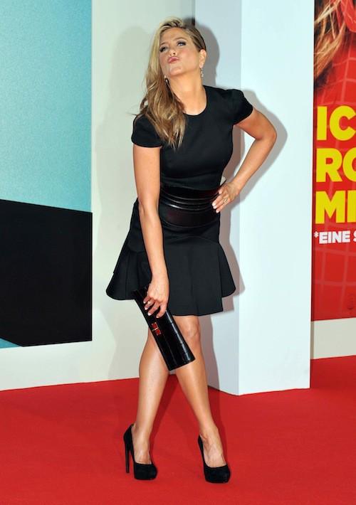 La tenue favorite de Jen sur tapis rouge ? Le noir !