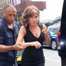 Jennifer Aniston sur le tournage de Squirrels to the nuts à New-York le 22 juillet 2013