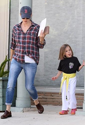 Jennifer Garner et ses filles, Violet et Seraphina, à Santa Monica le 5 avril 2013