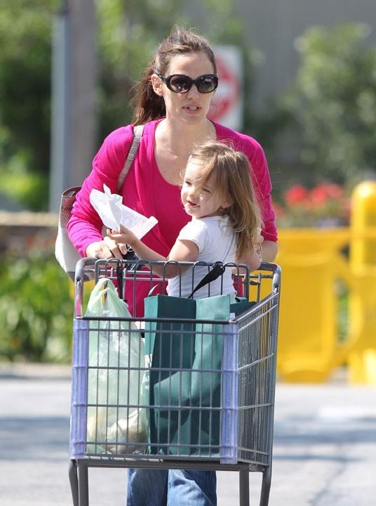 Les courses, ça rapproche une mère et sa fille...