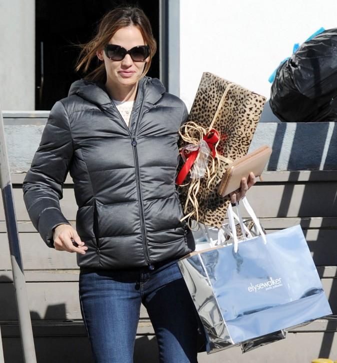 Jennifer Garner fait son shopping de Noël à Los Angeles le 21 décembre 2012
