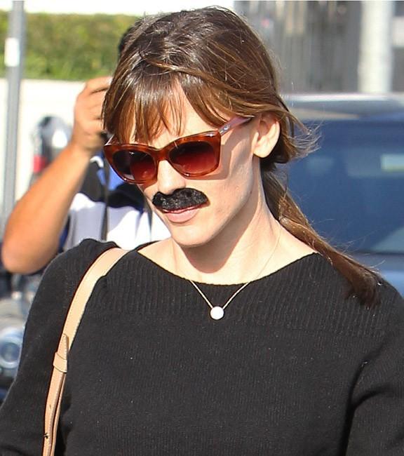 Jennifer Garner avec sa fille Violet à Los Angeles le 25 octobre 2013