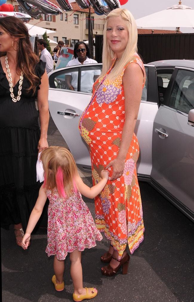 Une troisième grossesse pour Tori Spelling en 2011