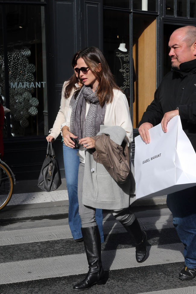 Jennifer Garner en sortie shopping à Paris le 16 octobre 2012