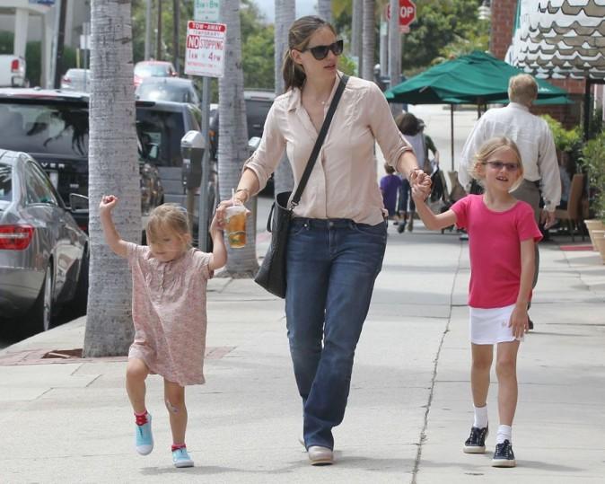 Jennifer Garner et ses filles le 2 juillet 2012 à Los Angeles