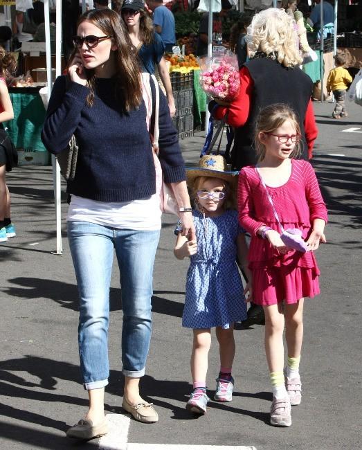 Jennifer Garner et ses filles le 3 février 2013 à Pacific Palisades