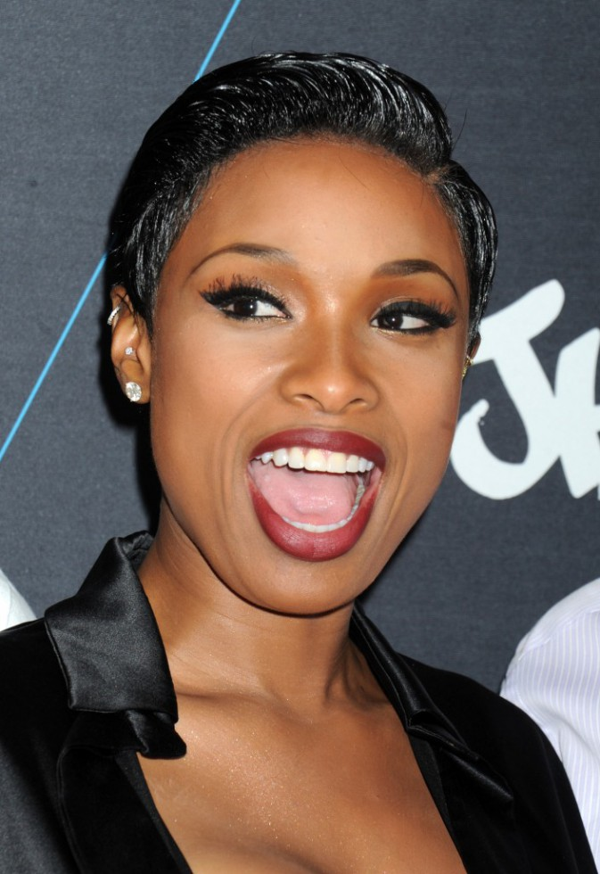 Photos : Jennifer Hudson : boobs bien en vue !