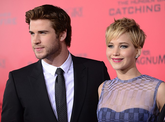 Liam Hemsworth et Jennifer Lawrence à Los Angeles le 18 novembre 2013