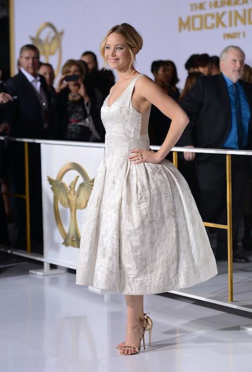 Photos : Jennifer Lawrence : baby doll charmeuse pour la première de Hunger Games !