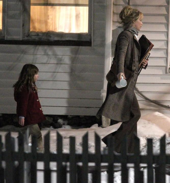 """Jennifer Lawrence sur le tournage de """"Joy"""" le 19 février 2015"""