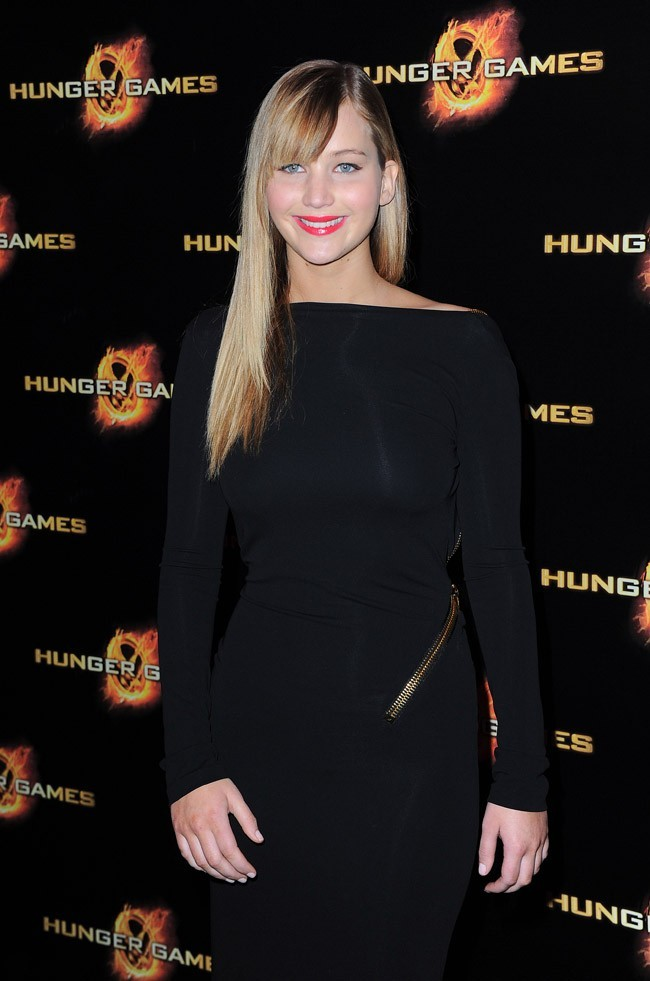 Jennifer Lawrence chic de face ...