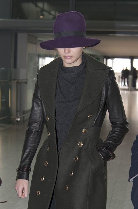 Jennifer Lawrence en partance pour Los Angeles le 11 février 2013