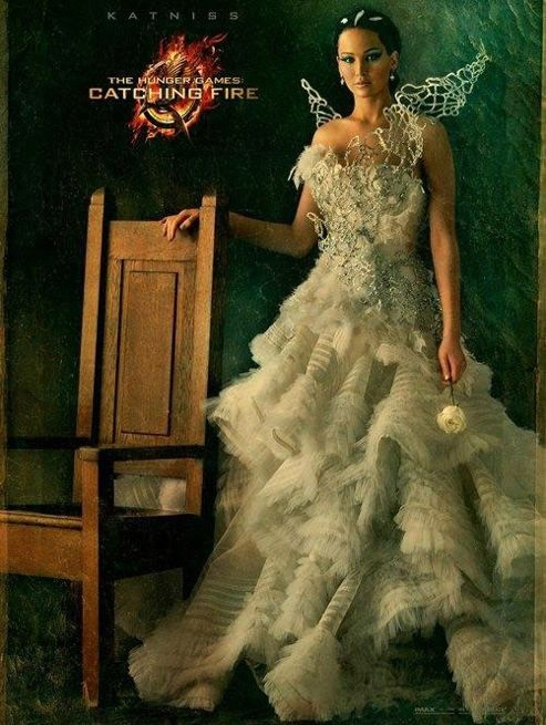 Jennifer Lawrence sur l'affiche d'Hunger Games 2-  L'embrasement