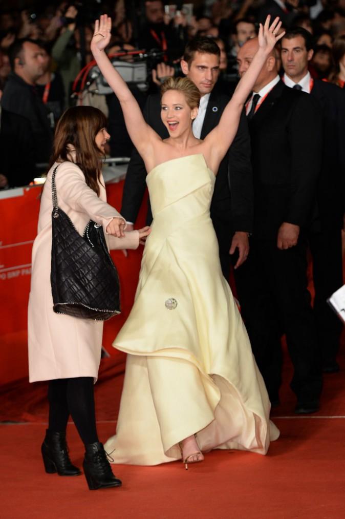 """Jennifer Lawrence lors de la première à Rome du film """"Hunger Games : L'Embrasement"""", le 14 novembre 2013."""