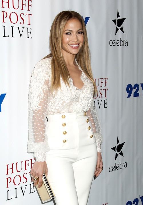 Photos : Jennifer Lopez : booty moulé, elle concurrence Kim Kardashian et la remercie !