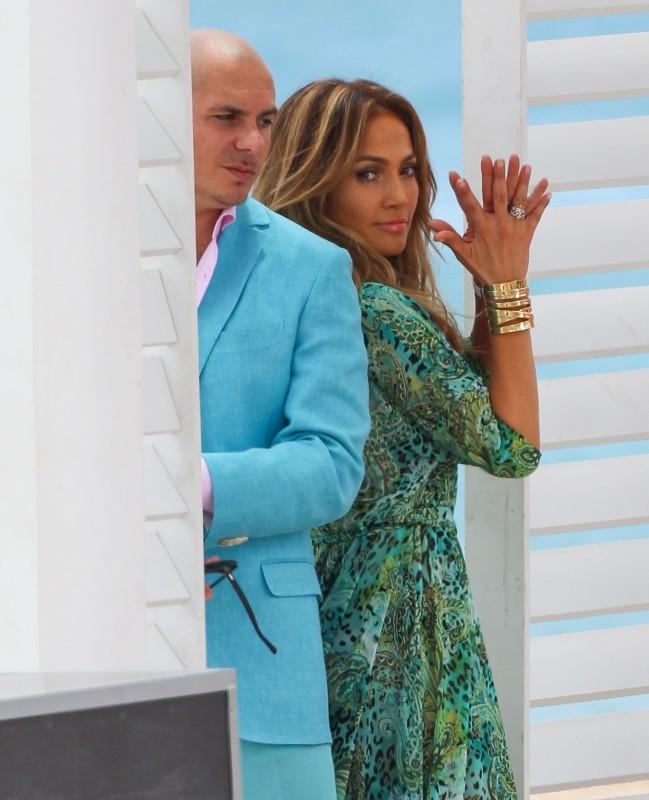 Jennifer Lopez et Pitbull le 5 mai 2013 à Miami