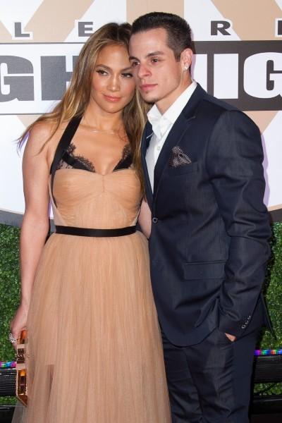 "Jennifer Lopez et Casper Smart lors de la soirée caritative ""Muhammad Ali's Celebrity Fight Night XIX"" à Phoenix, le 23 mars 2013."