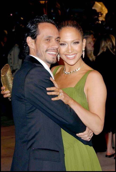 Jennifer Lopez et Marc Anthony lors la Vanity Fair Oscar party à Los Angeles, le 5 mars 2006.
