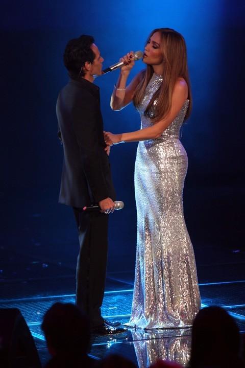 Jennifer Lopez et Marc Anthony sur une même scène à Mexico City, le 4 décembre 2010.