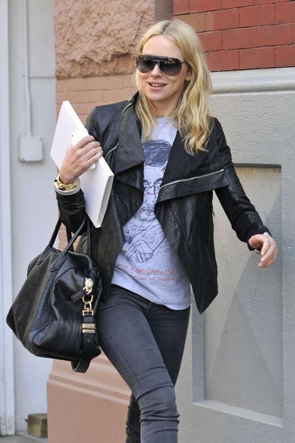Naomi Watts, une femme pressée et très chargée !