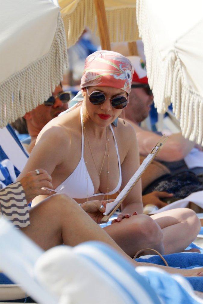 Photos : Jennifer Lopez : la bomba latina fête ses succès en maillot torride !