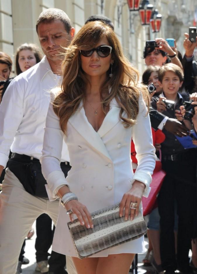 Jennifer Lopez en promo pour son album Love?...