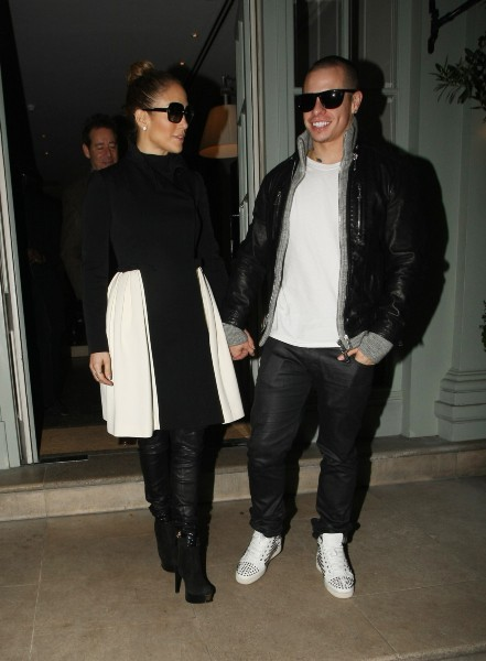 Jennifer Lopez et Casper Smart à Londres, le 23 octobre 2012.