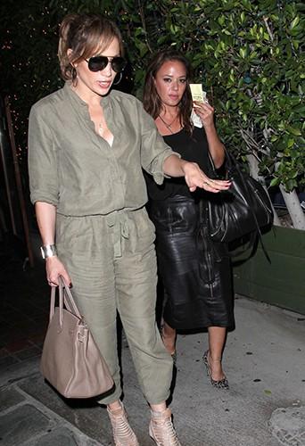 Jennifer Lopez et Leah Remini à Los Angeles le 25 septembre 2014