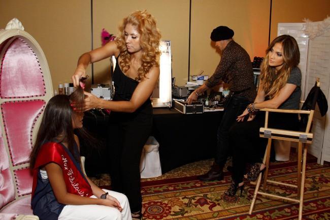 Jennifer Lopez et Alyssa Linares lors d'une session conseils mode et beauté, le 21 septembre 2013.