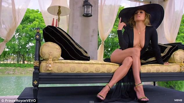 Jennifer Lopez dans Back It Up de Prince Royce