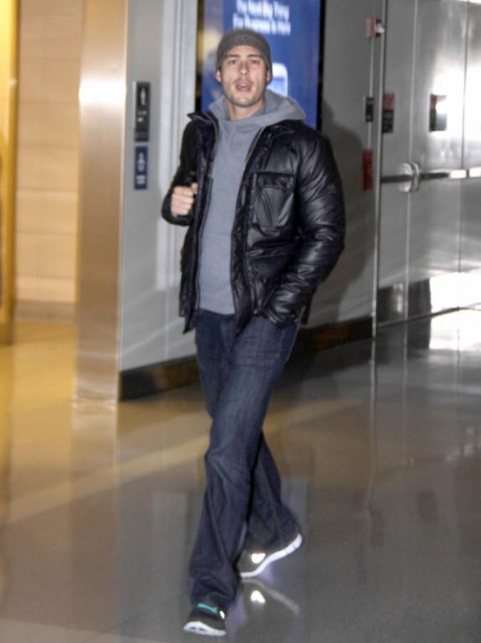 Brian Hallisay à l'aéroport de Washington le 22 décembre 2012