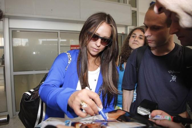 Jennifer Love Hewitt à l'aéroport de Nice le 11 juin 2012