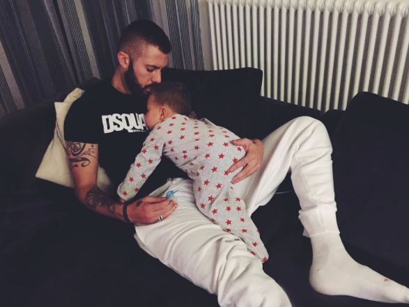 Photos : Jérémy Ménez papa gaga pendant qu'Émilie se la joue sexy !