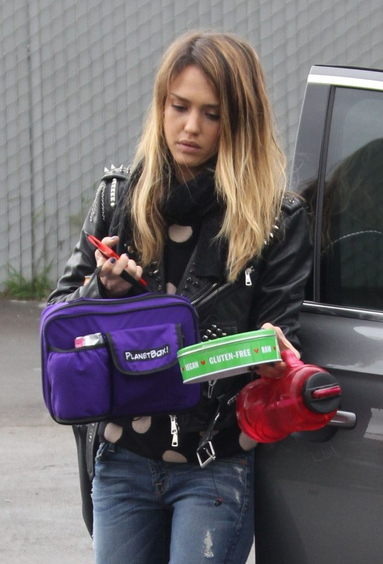 Jessica Alba, Los Angeles, 12 décembre 2012.